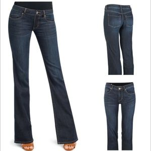 CABI Jeans Size: 6 Stretch Style Style: 749R Flare